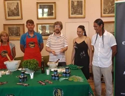 Demonstration of Pesto at Villa Migone